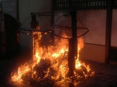 contenedor-ardiendo